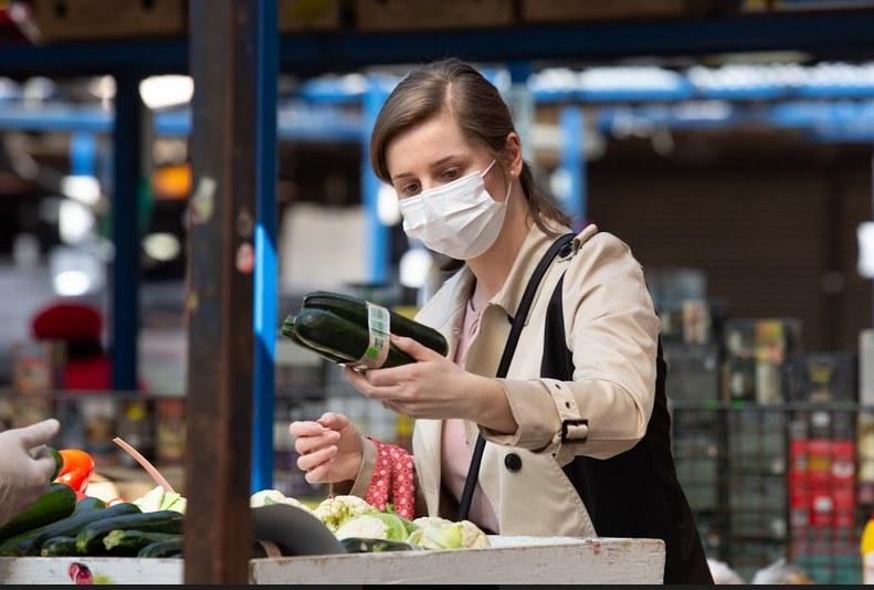 Od 16 kwietnia wchodzi w życie obowiązek noszenia maseczek w miejscach publicznych w Polsce