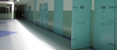 Od 18 lat odsiaduje wyrok za gwałt i morderstwo nastolatki. Jest niewinny?
