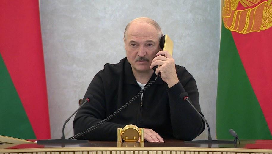Od 20 grudnia Białoruś wprowadza czasowy zakaz wyjazdu z kraju przez granicę lądową /BelTA /PAP/ITAR-TASS