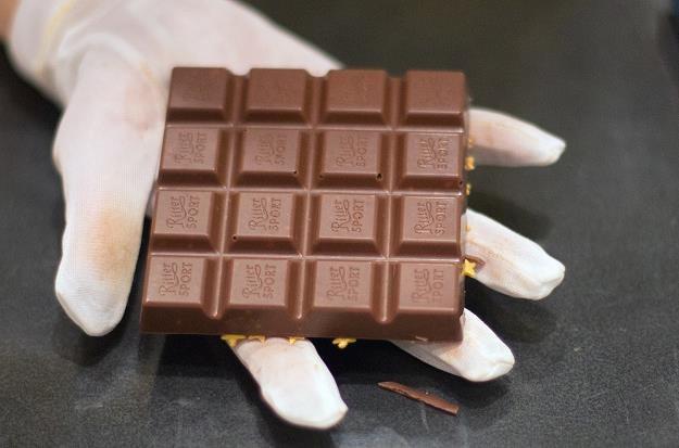 Od 2017 r. kultowa niemiecka czekolada będzie produkowana w oparciu o własny surowiec /AFP