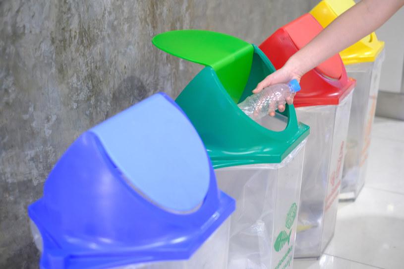 Od 4 września strażnik miejski może ukarać osobę niepłacącą za śmieci albo niesegregującą odpadów /123RF/PICSEL