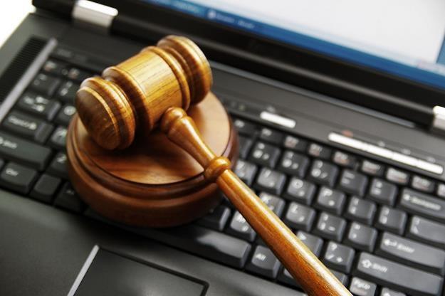 .Od 8 września zajęcie konta odbywać się będzie drogą elektroniczną /©123RF/PICSEL