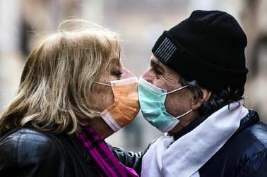 """Od """"pacjenta zero"""" do epidemii koronawirusa. """"FT"""" o tym, że izolacja ma sens"""