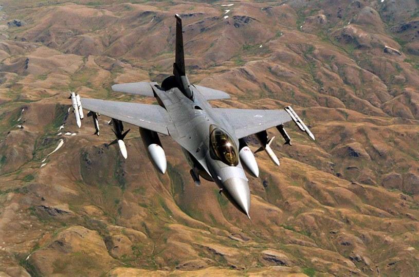 Od chwili oblotu, F-16 brał udział w każdej operacji prowadzonej przez USA. Tutaj w 2003 roku nad Irakiem /Getty Images/Flash Press Media