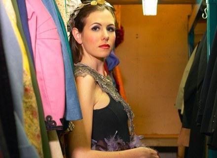 Od czasu do czasu należy zmienić kolorystykę naszych ubrań /ThetaXstock