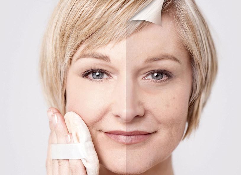 Od czasu do czasu spryskuj twarz wodą micelarną /Picsel /123RF/PICSEL