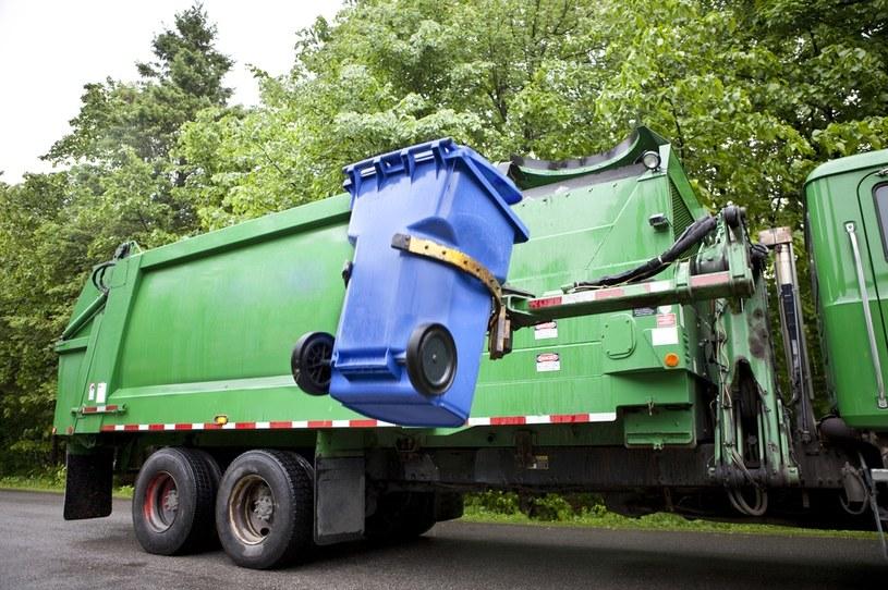 Od czwartku mieszkańcy Warszawy płacą znacznie więcej za wywóz śmieci /123RF/PICSEL