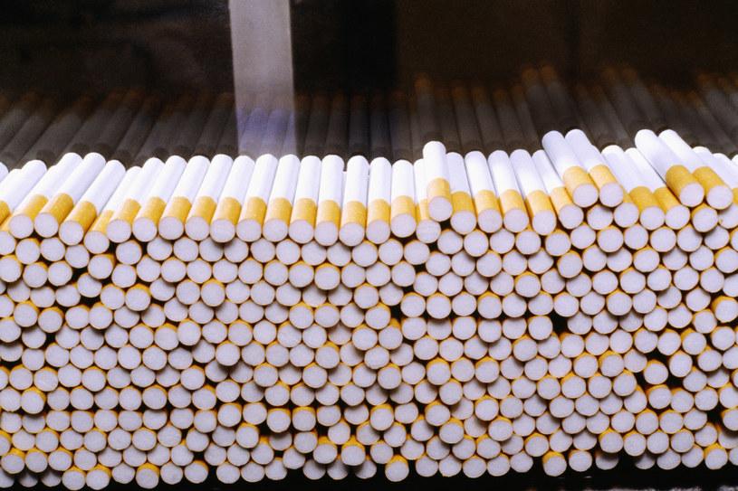 Od jednego papierosa wszystko się zaczyna... /© Glowimages