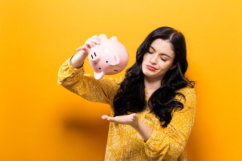 Od kilku miesięcy osoby, które w normalnych warunkach zaciągałyby kredyt na zakup pierwszego w życiu mieszkania, nie mają szans na hipotekę /123RF/PICSEL