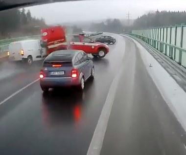 Od kolizji do wypadku, czyli... typowo na autostradzie