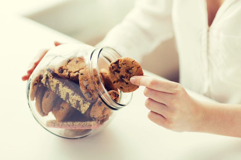 Od lat bezskutecznie próbujesz rzucić słodycze? Wiemy, gdzie robisz błąd! /123RF/PICSEL