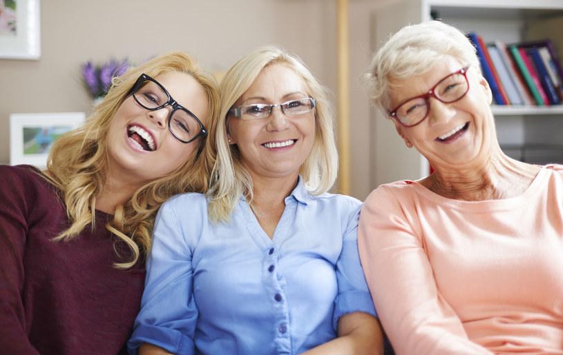 Od lat kobiety mogą liczyć na wsparcie swoich mam i babć w kwestii ciąży i macierzyństwa/ /123RF/PICSEL