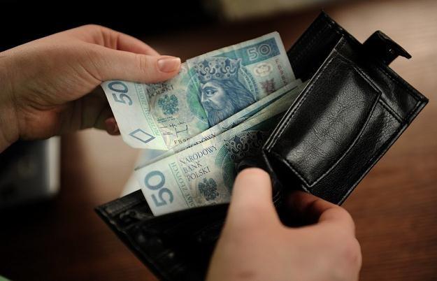 Od lat w grudniu i styczniu płace rosną znacznie mocniej niż w ciągu roku /fot. Bartosz Krupa /Agencja SE/East News