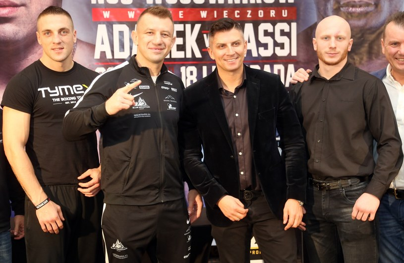 Od lewej: Adam Balski, Tomasz Adamek, Mateusz Borek, Robert Parzęczewski i Mariusz Grabowski /Fot. Tomasz Radzik /East News