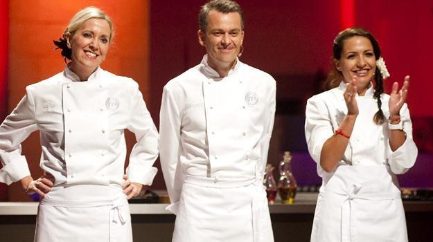 """Od lewej: Basia Ritz, Miłosz Wyrwicz i Kinga Paruzel - finaliści programu """"MasterChef"""" /TVN"""