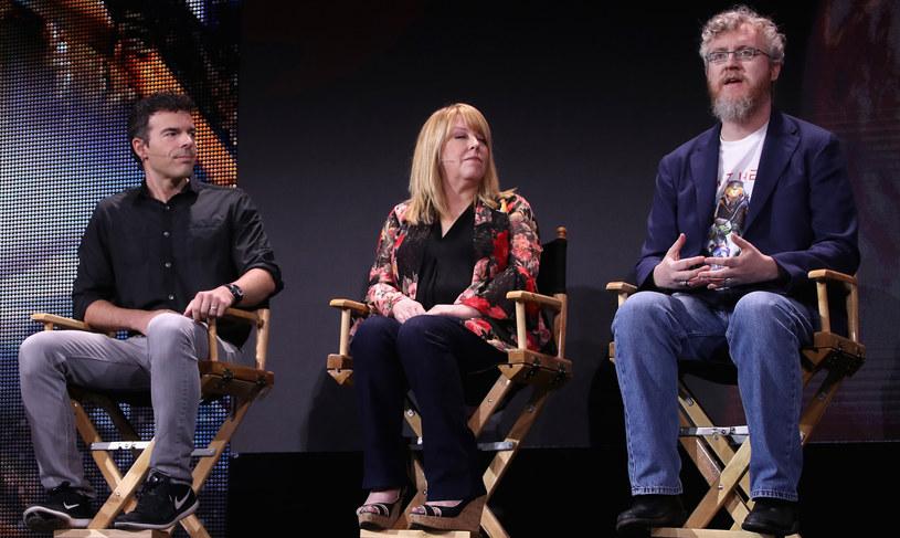 Od lewej Casey Hudson, Cathleen Rootsaert i Mark Darrah /AFP