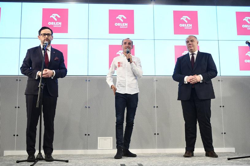 Od lewej: Daniel Obajtek, prezes PKN Orlen, Robert Kubica, wicepremier Jacek Sasin, /Rafał Oleksiewcz /East News