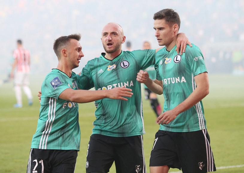 Od lewej: Dominik Nagy, Walerian Gwilia i Jarosław Niezgoda /Damian Klamka /East News