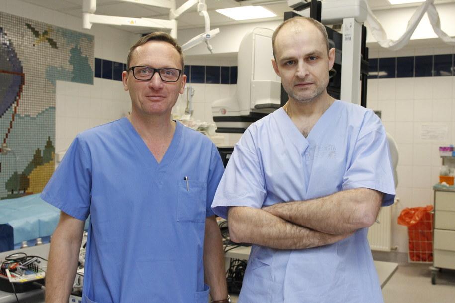Od lewej: dr Maciej Pitak, kardiolog z USDK oraz prof. Marek Jastrzębski ze Szpitala Uniwersyteckiego. /Uniwersytecki Szpital Dziecięcy w Krakowie   /Materiały prasowe