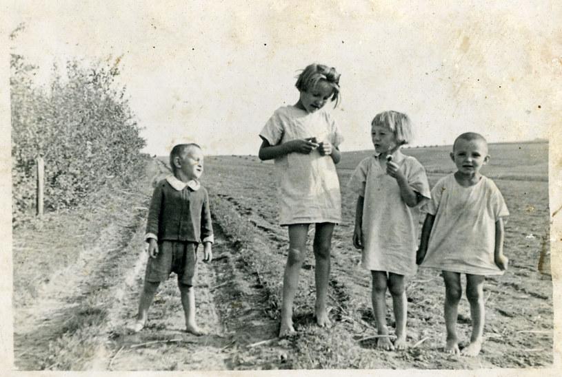 Od lewej: Franuś, Stasia, Basia i Władzio Ulmowie. Zdjęcie wykonane przez ich ojca /Archiwum autora