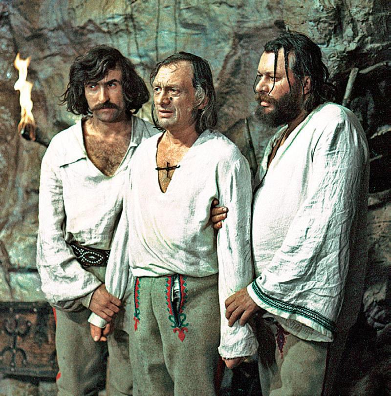 Od lewej: Gąsior, Pyzdra i Kwiczoł rozrabiali nie tylko w serialu. Poza nim też tworzyli niezwykle wesołą, barwną i mocno zapijaczoną kompanię /Kurier TV