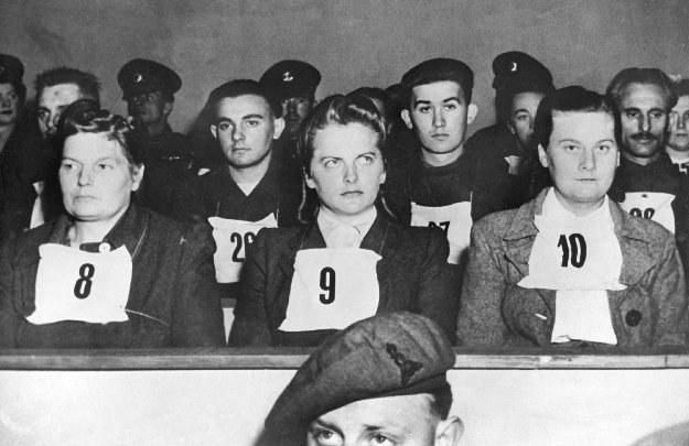 Od lewej: Hertha Ehlert, Irma Grese i Ilse Lithe podczas procesu Bergen-Belsen /Agencja FORUM