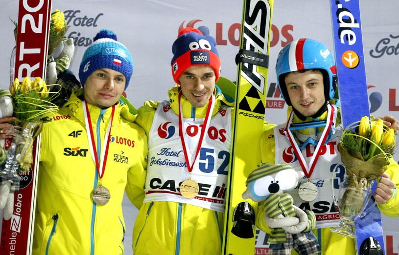 Od lewej Jan Ziobro, Piotr Żyła i Adam Ruda na podium MP /Andrzej Grygiel /PAP