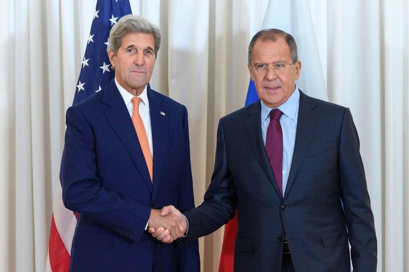 Od lewej: John Kerry i Siergiej Ławrow /AFP