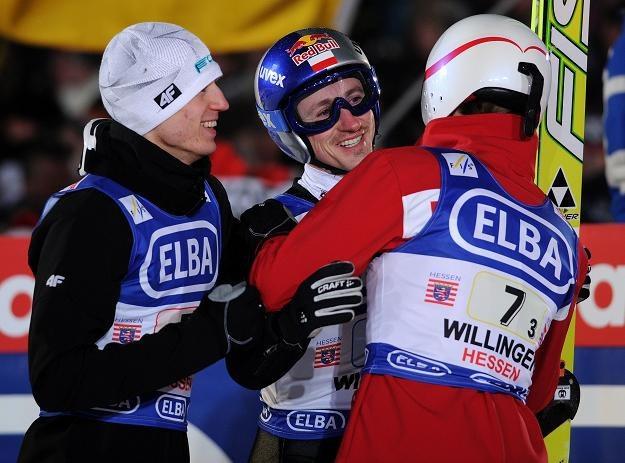Od lewej: Kamil Stoch, Adam Małysz i Stefan Hula. /INTERIA.PL/PAP
