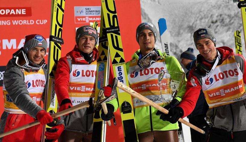 Od lewej: Kamil Stoch, Dawid Kubacki, Maciej Kot i Piotr Żyła /AFP