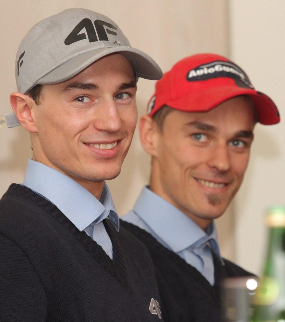 Od lewej: Kamil Stoch i Piotr Żyła /Jacek Bednarczyk /PAP
