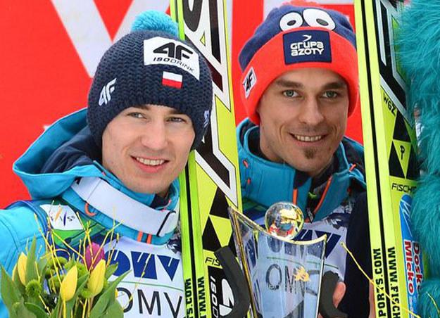 Od lewej: Kamil Stoch i Piotr Żyła /AFP