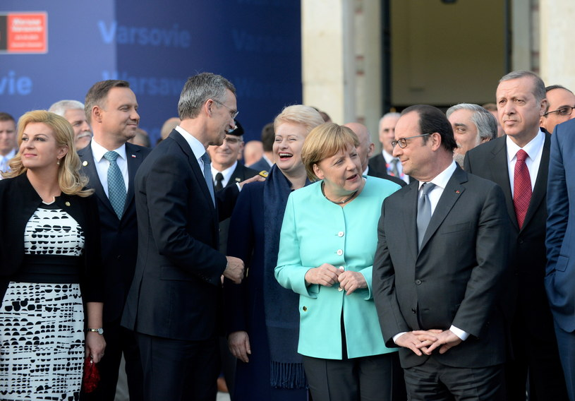 Od lewej: Kolinda Grabar-Kitarović, Andrzej Duda, Jens Stoltenberg, Dalia Grybauskaite, Angela Merkel, Francois Hollande, Recep Tayyip Erdogan /BARTLOMIEJ ZBOROWSKI /PAP