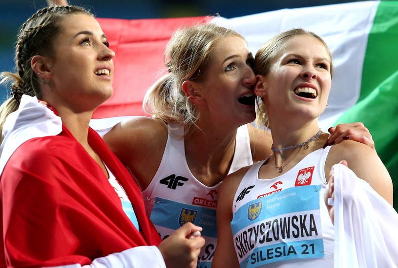 Od lewej: Magdalena Stefanowicz, Katarzyna Sokólska i Pia Skrzyszowska /Andrzej Grygiel /PAP