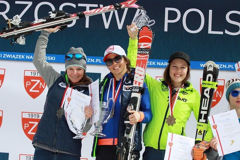 Od lewej: Maryna Gąsienica-Daniel, Sabina Majerczyk i Katarzyna Wąsek na podium /Alicja Kosman /PZN