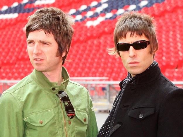 """Od lewej: """"Najbardziej przeceniony muzyk"""" i Liam Gallagher fot. Dave Hogan /Getty Images/Flash Press Media"""