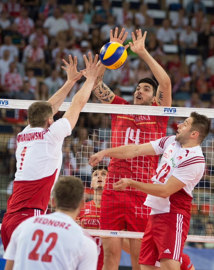 Od lewej: Piotr Nowakowski, Bartosz Bednorz i Grzegorz Łomacz oraz Nicolas Le Goff (C) z Francji /Grzegorz Michałowski /PAP