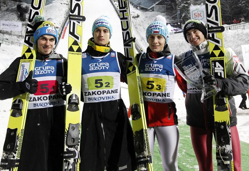 Od lewej: Piotr Żyła, Maciej Kot, Krzysztof Miętus, Kamil Stoch po zajęciu drugiego miejsca w Zakopanem /Grzegorz Momot /PAP