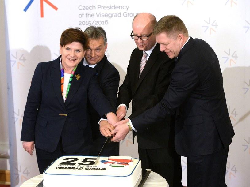 Od lewej: premier Polski Beata Szydło, premier Węgier Wiktor Orban, premier Czech Bohuslav Sobotka i premier Słowacji Robert Fico /AFP