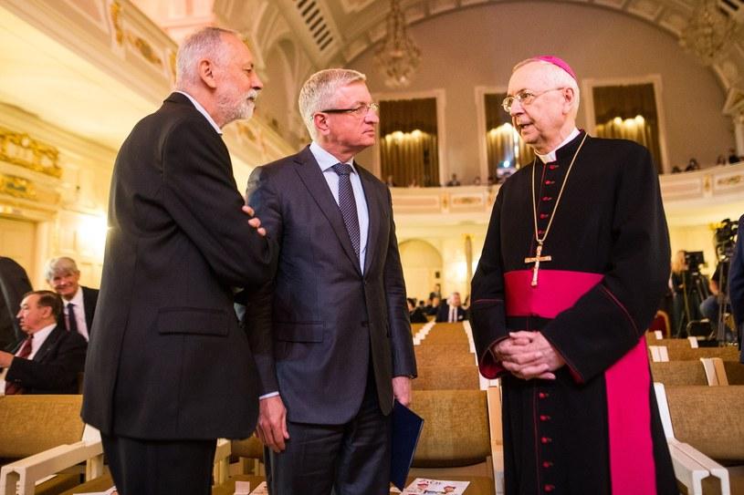 Od lewej: Rafał Grupiński, Jacek Jaśkowiak i abp. Stanisław Gądecki / Adam Jastrzebowski /Reporter