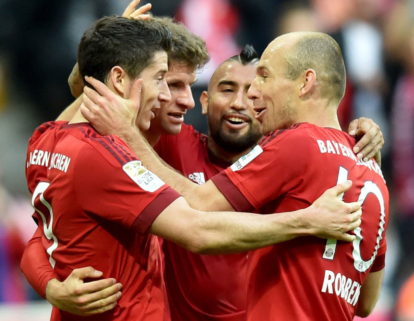 Od lewej: Robert Lewandowski, Thomas Mueller, Arturo Vidal i Arjen Robben /AFP