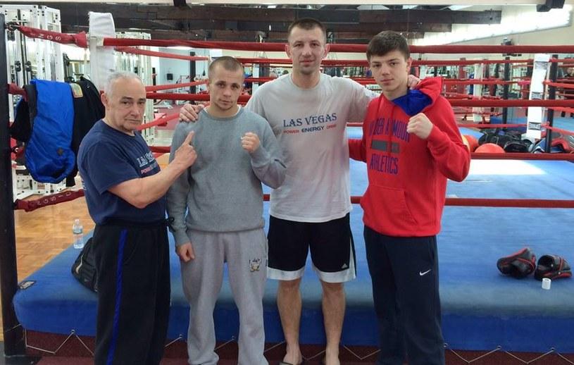 Od lewej: Roger Bloodworth, Kamil Łaszczyk, Tomasz Adamek i Patryk Szymański. Fot. FB/Global Boxing Gym /INTERIA.PL