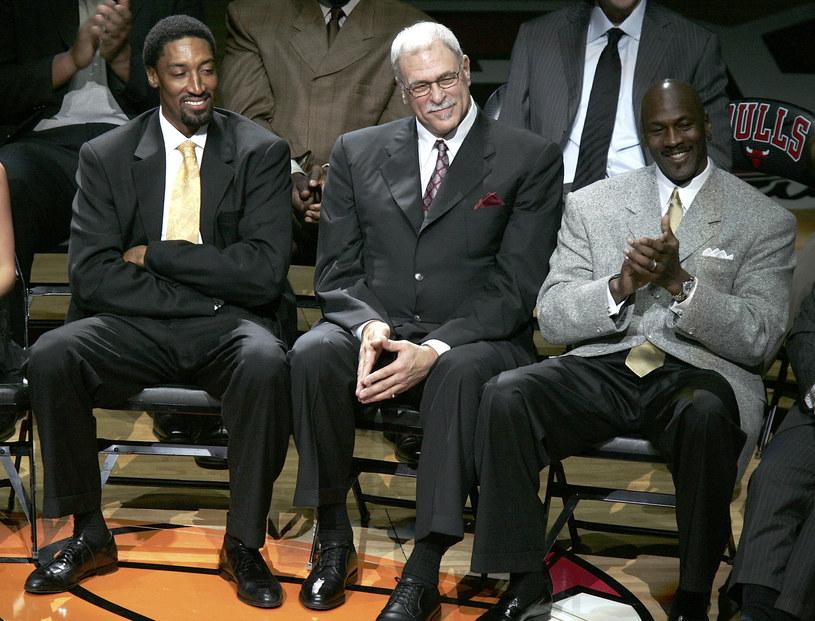 Od lewej: Scottie Pippen, trener Phil Jackson i Michael Jordan /AFP