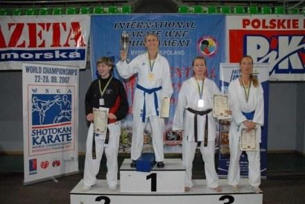 Od lewej stoją: Daria Szulc, Anna Fajkowska, Izabela Harłożyńska i Berenika Bruzdowicz. /Informacja prasowa