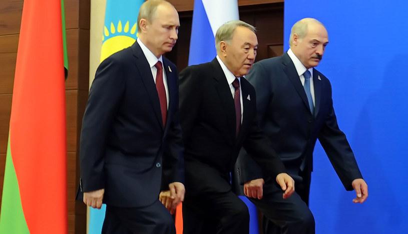 Od lewej Władimir Putin, Nursułtan Nazarbajew i Alaksandr Łukaszenka /ILIAS OMAROV /AFP