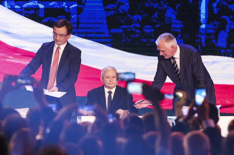 Od lewej: Zbigniew Ziobro, Jarosław Kaczyński i Jarosław Gowin /Andrzej Hulimka  /Agencja FORUM