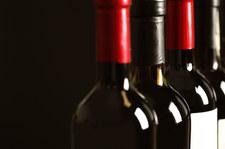 Od lipca na butelkach wina i cydru pojawią się nowe banderole. Mniejsze, z możliwością naklejania w różnych miejscach