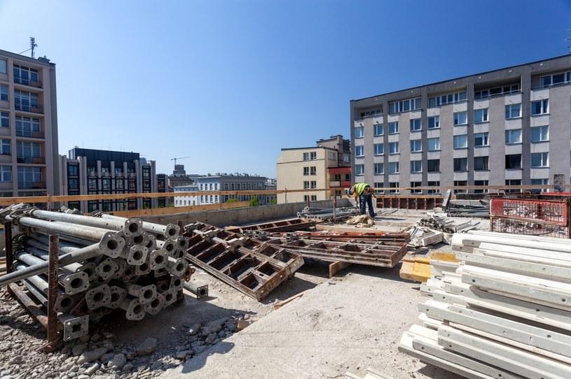 Od maja, po gwałtownej kwietniowej zapaści, na budowach w większości krajów Unii Europejskiej na nowo powraca życie /©123RF/PICSEL