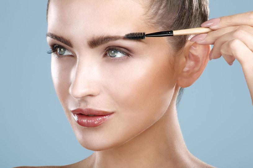 Od makijażu brwi zalezy cały wygląd twarzy /123RF/PICSEL