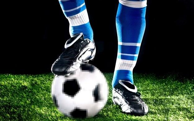 Od Pele's Soccer przez Sensible Soccer po FIFĘ i PES-a - tak się kiedyś grało w piłkę nożną /123RF/PICSEL